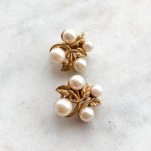 Vintage 1960s Golden Pearl Clip-On Earrings